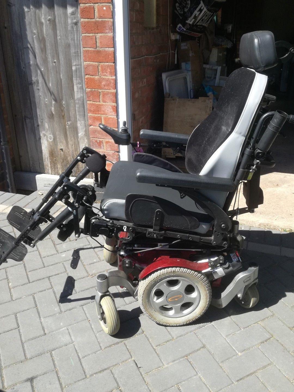 Quickie Salsa M – Powered Wheelchair