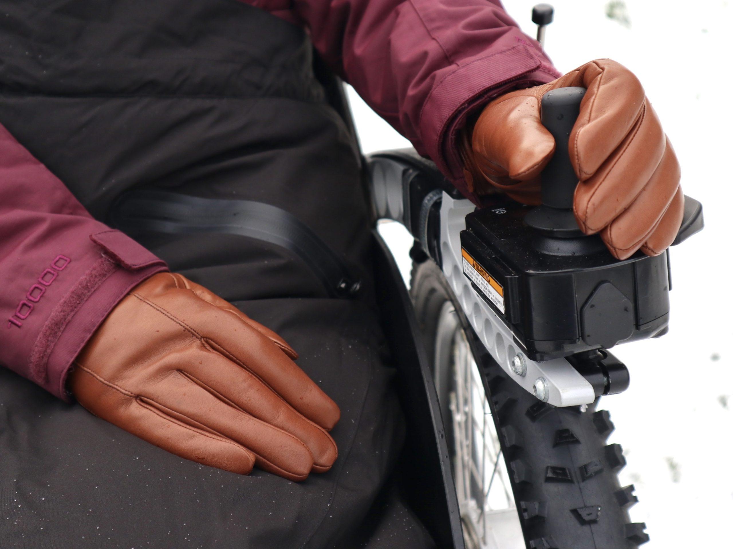 Hands of Warriors – Wheelchair Gloves