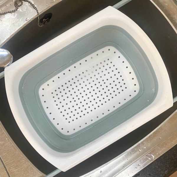 White & Grey Collapsible Colander With Extendable Handles